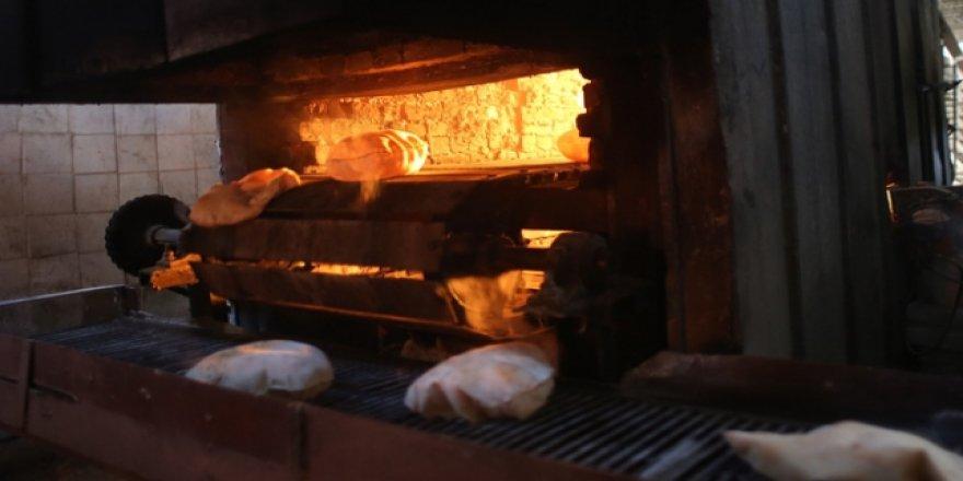 SMO Tel Abyad'da Fırını Çalıştırıp Halka Ekmek Yapmaya Başladı