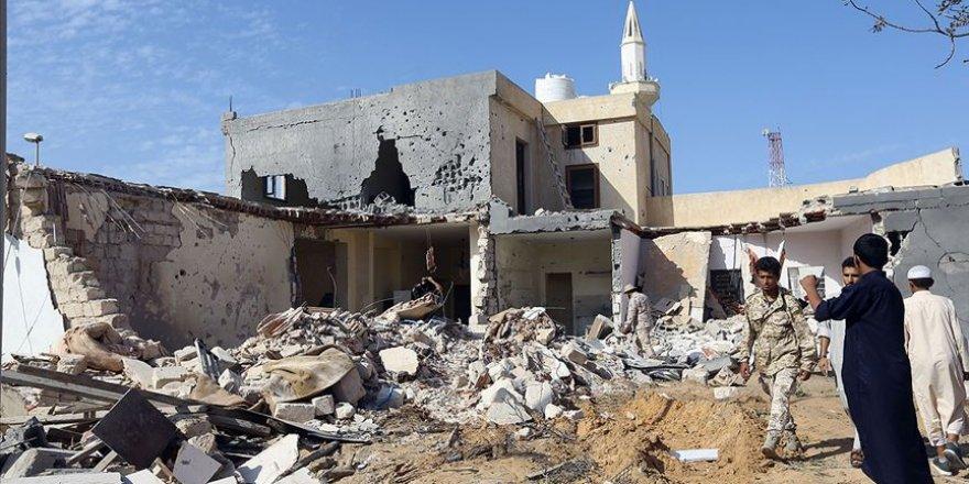 Hafter'in 'Savaş Suçları' Sadece Kınamayla Geçiştiriliyor