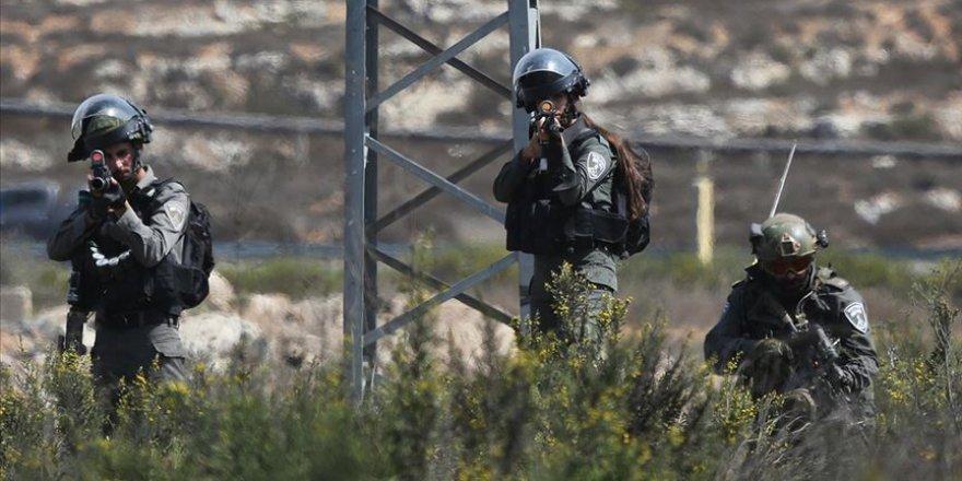 Siyonist Katiller Batı Şeria'da Bir Filistinliyi Şehit Etti