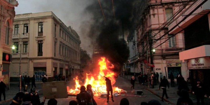 Şili'deki Zam Karşıtı Protestolarda 8 Kişi Hayatını Kaybetti