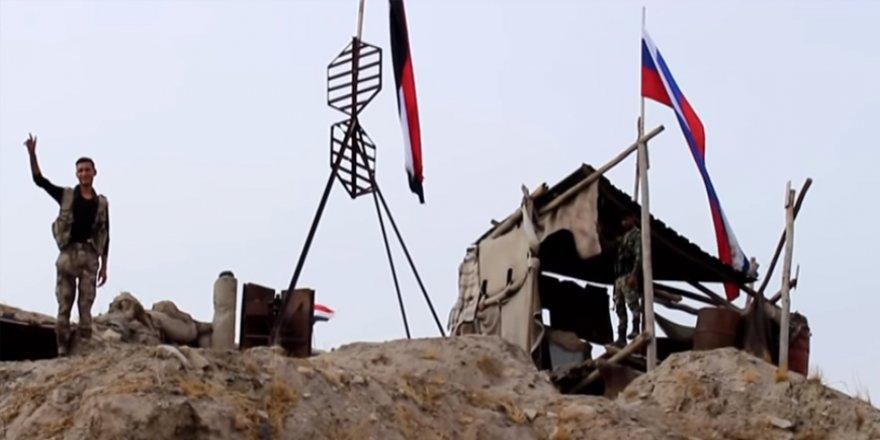 Esed Rejimi Askerleri Kobani'de 'Biji Serok Apo' Sloganı Atıyor
