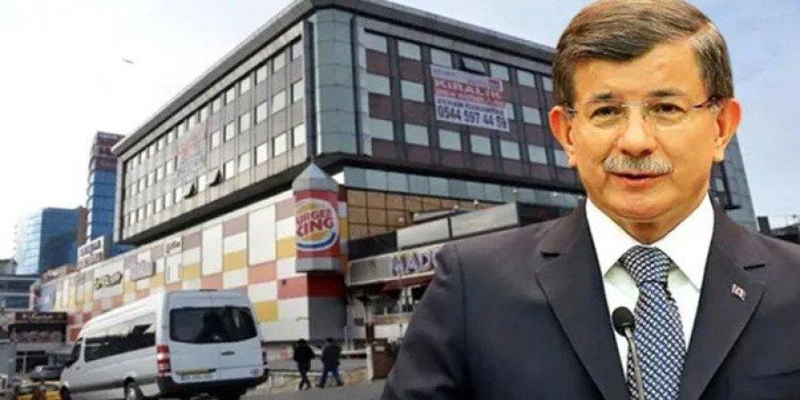 Ahmet Davutoğlu'nun İstanbul İl Binası Mühürlendi