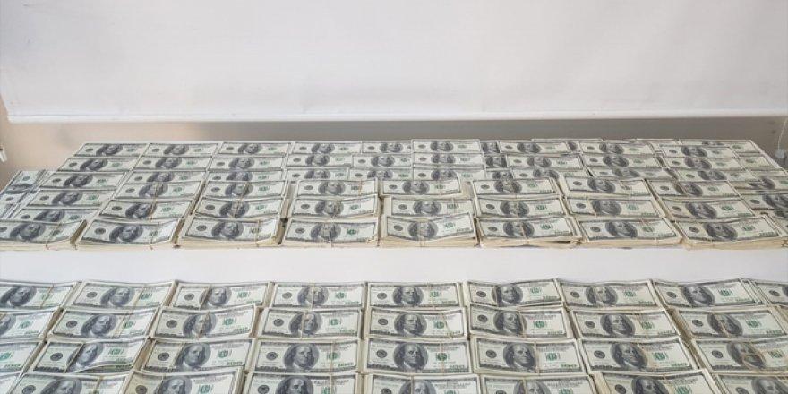 İstanbul'da 1 Milyon 300 Bin Sahte Dolar Ele Geçirildi