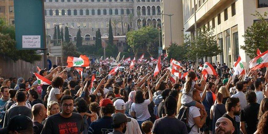 Lübnan'daki Filistinlilere 'Gösterilerden Uzak Durun' Çağrısı
