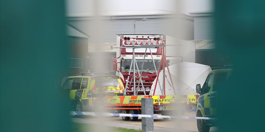 İngiltere'de Tırın Arkasında Bulunan 39 Kişi Donarak Ölmüş