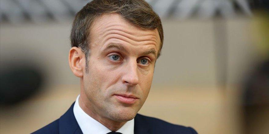 Macron Başörtüsünü Kamu Kurumlarında İstemiyor