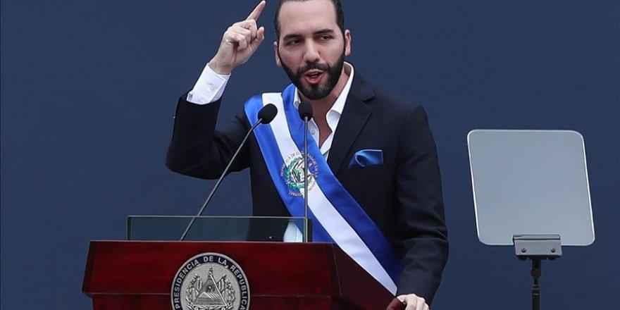 El Salvador Devlet Başkanı'nın 'Cinayetsiz Gün' Sevinci