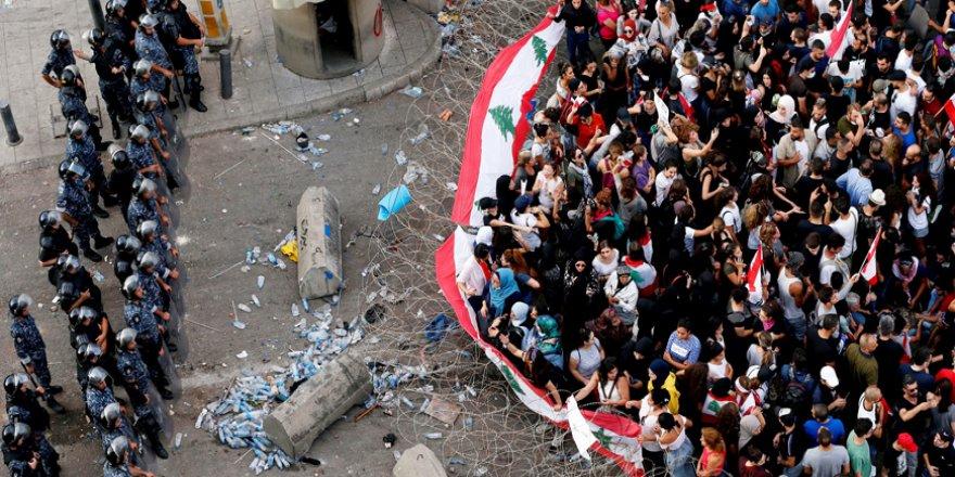 Lübnan'da Protestolar 10'uncu Gününde