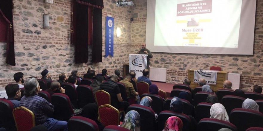 'İslami Kimlikte Aşınmalar ve Sorumluluklarımız'