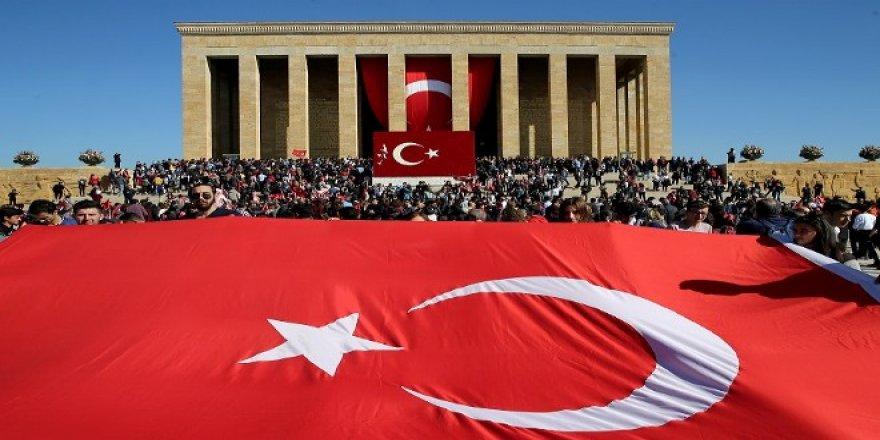 Cumhuriyetin Kuruluşu'nu Kutlama, Mustafa Kemal'e Rahmet Okuma Sırasına Girenler!