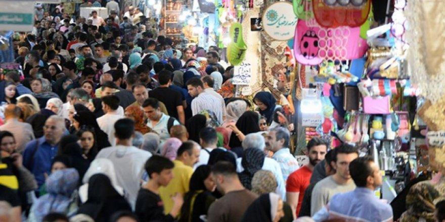 İran'da Fakirlik Artıyor