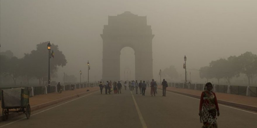 Yeni Delhi'de Hava Kalitesi Acil Durum Seviyesinde
