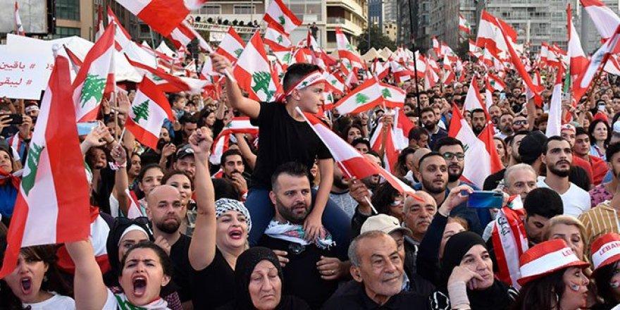 İran'ın Yayılmacı Siyasetinde Kırılma: Lübnan ve Irak'taki Protestolar