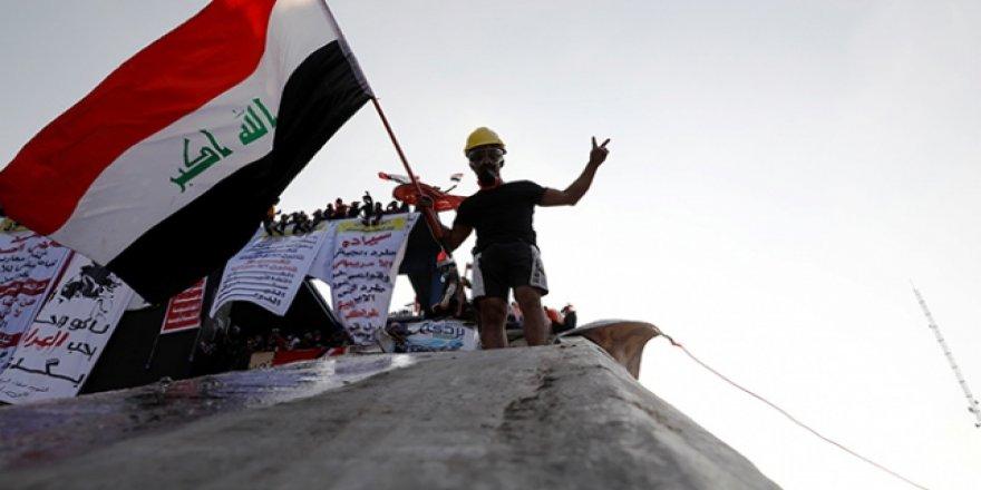 Irak'ta Göstericiler Hükümetin İstifasını ve Başkanlık Sistemine Geçilmesini İstiyor