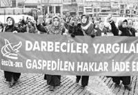 Özgür-Der, 28 Şubat'ı Protesto Etti