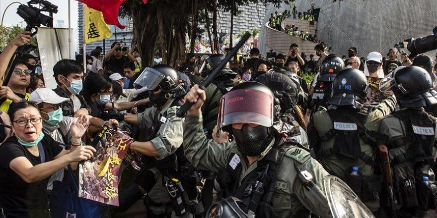 Hong Kong'daki Gösterilerde Son Dönemde Şiddet Arttı