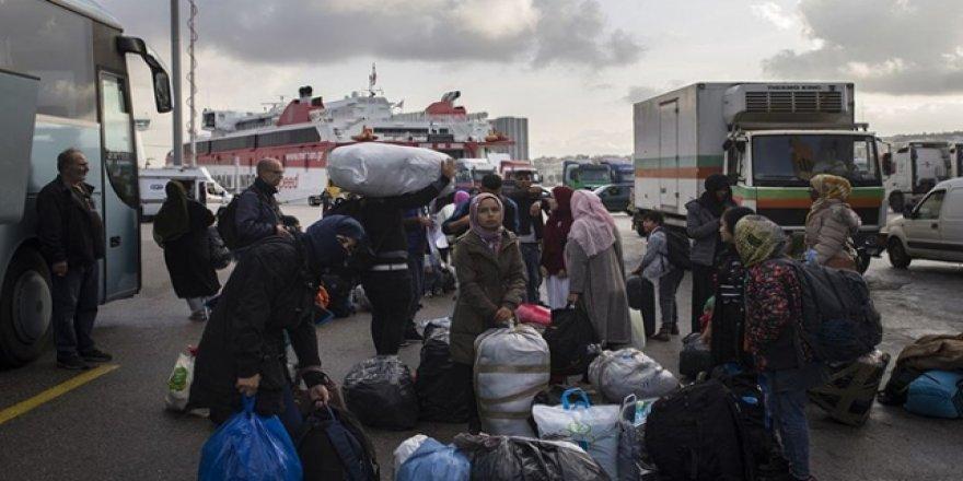 Yunan Adalarındaki Göçmenler Ana Karaya Taşınıyor