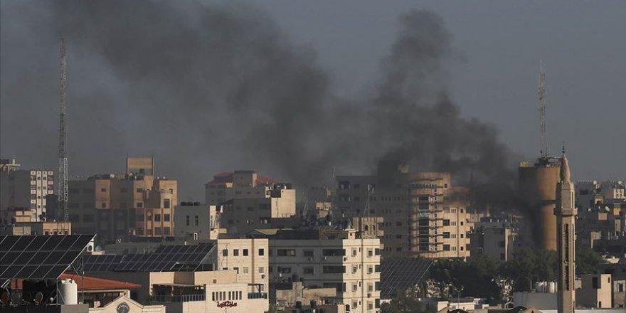 İsrail'in Gazze'ye Hava Saldırılarında Hayatını Kaybedenlerin Sayısı 12'ye Yükseldi