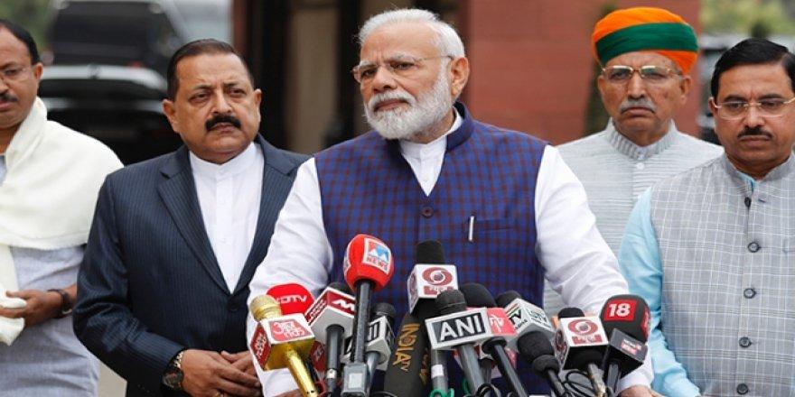 "Hindistan Parlamentosunda ""Cammu Keşmir"" Tartışması"