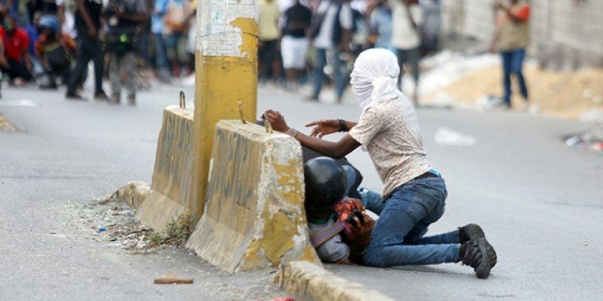 Haiti'deki Hükümet Karşıtı Protestoda 4 Kişi Vuruldu