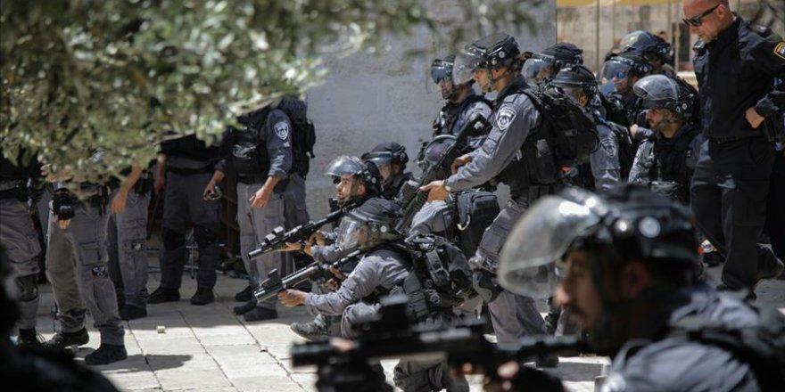 İşgal Güçleri Kudüs'te Bir Camiyi Kapattı