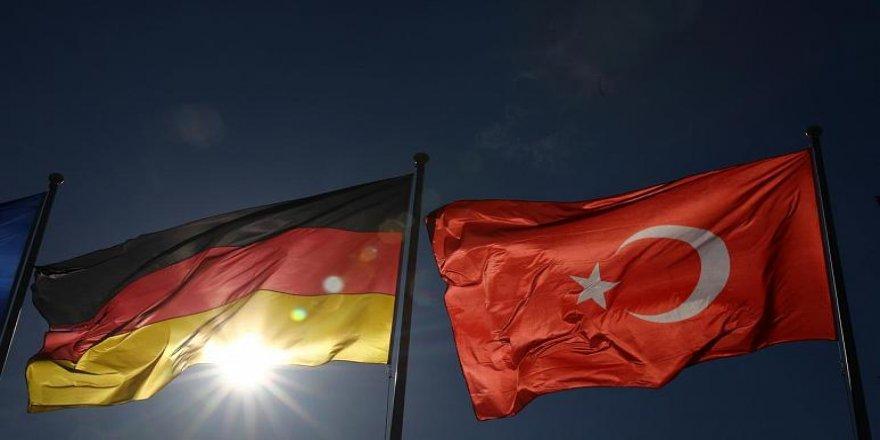 Almanya Büyükelçiliğinin Avukatı 'Casusluk' Suçlamasıyla Gözaltına Alındı