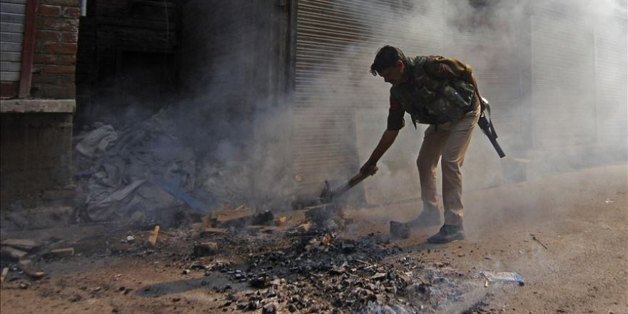 Keşmir'de Hint Güçleriyle Direnişçiler Arasında Çatışma