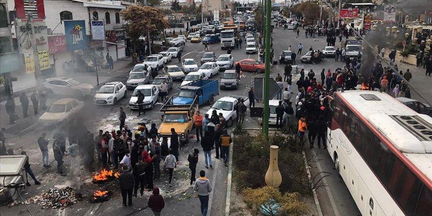 İran'ın Kronik Sorunları Protestoları Tetikliyor