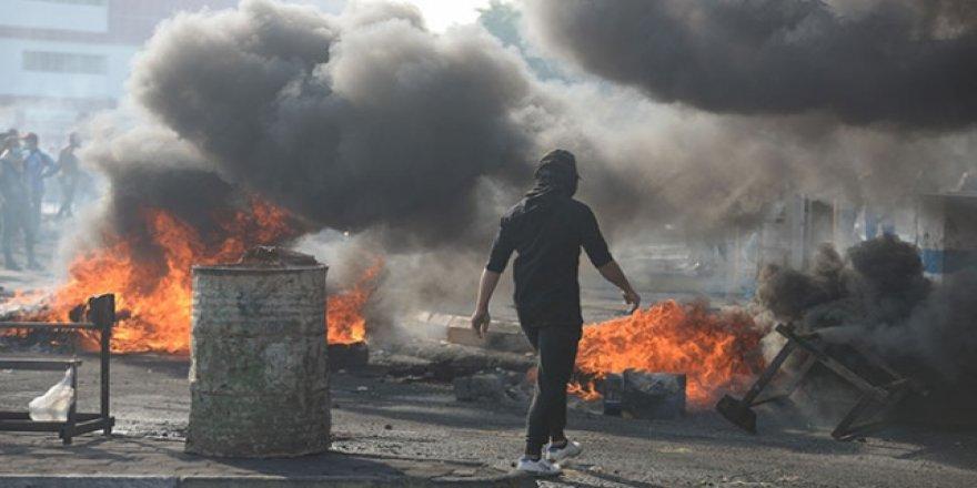 Irak'ta Zikar Valisi İstifa Etti