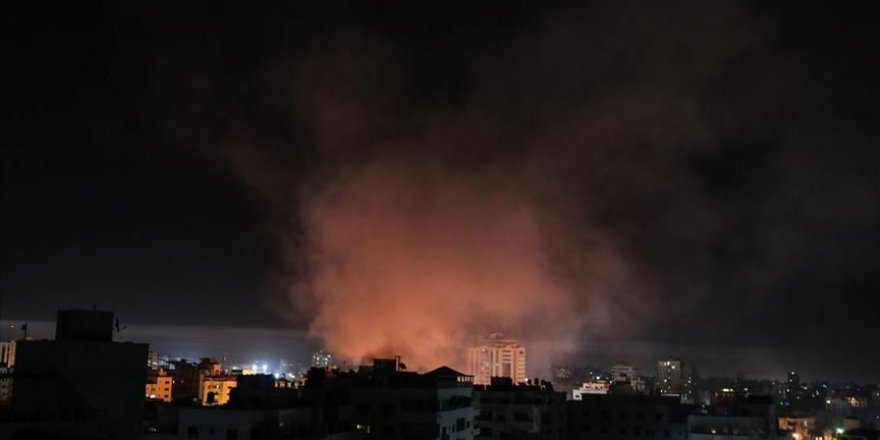 Siyonist İsrail, Gazze'de Hamas'a Ait Bir Noktayı Vurdu