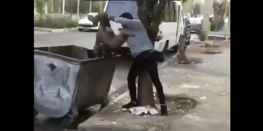 Afgan Çocuğu Çöp Kutusuna Yuvarlayan Fars Irkçılığı