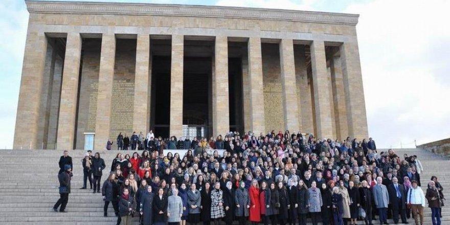 AK Partili Kadın Vekiller Cahili Geleneği Bu Yıl da Aksatmadı!