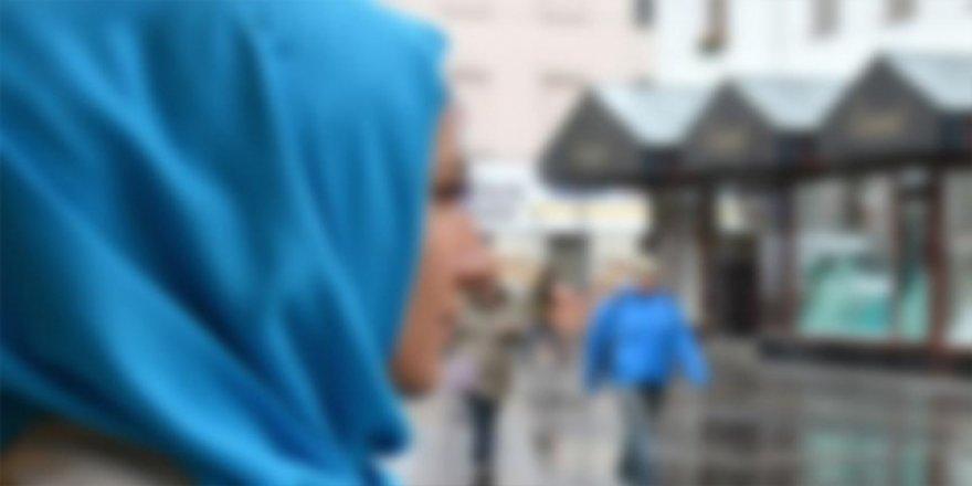 Almanya'da İki Aşırı Sağcı, Başörtülü Kız Çocuğunu Darp Etti