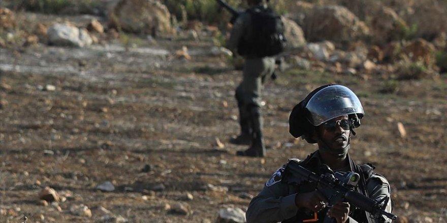 İsrail Güçleri Batı Şeria Ve Doğu Kudüs'te 18 Filistinliyi Gözaltına Aldı