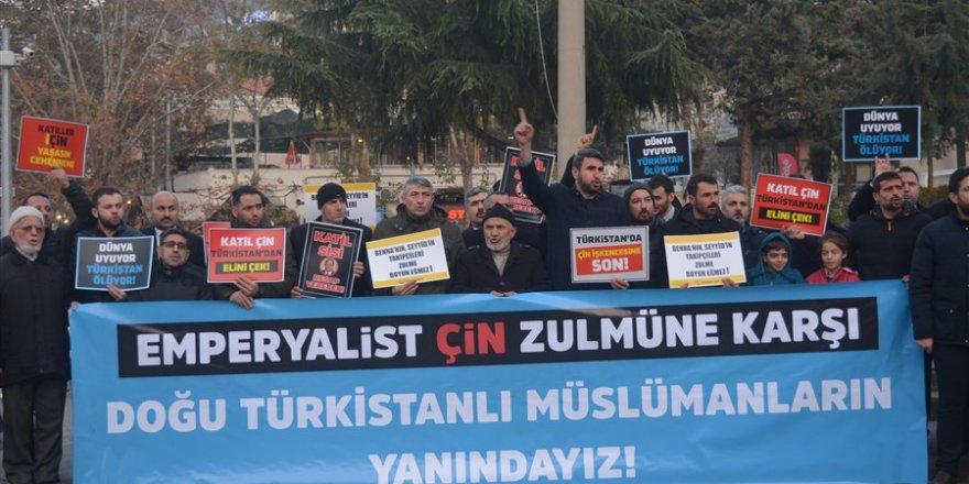 Mısır ve Doğu Türkistan'da Yaşanan Zulümler Amasya'da Protesto Edildi