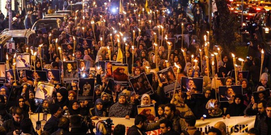 Fatih'te Binlerce Kişi Mısırlı Kardeşlerine Ses Verdi