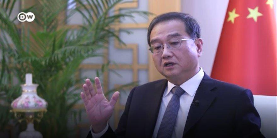 Pişkinliğin Böylesi: Çin'in Uygurlara Yönelik Asimilasyon Kampları Birer Yatılı Okulmuş!