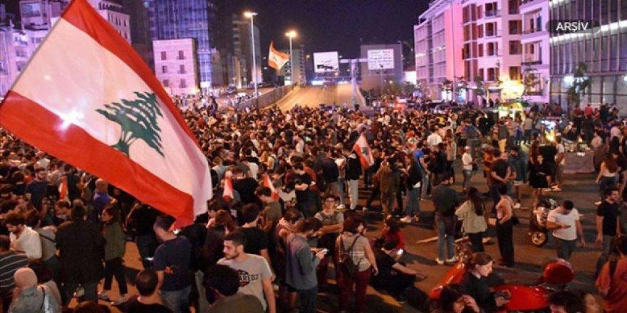 Lübnan'da Protesto Gösterilerinde Onlarca Kişi Yaralandı