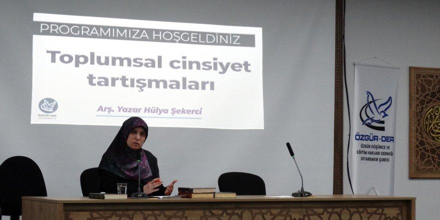 """Diyarbakır'da """"Toplumsal Cinsiyet Tartışmaları""""Konulu Seminer Yapıldı"""