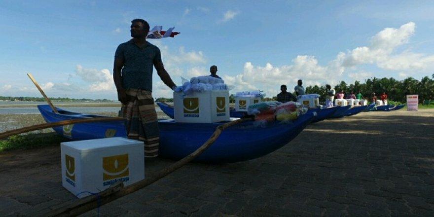 Sadakataşı'ndanSri Lanka'da Balıkçı Teknesi Dağıtımı
