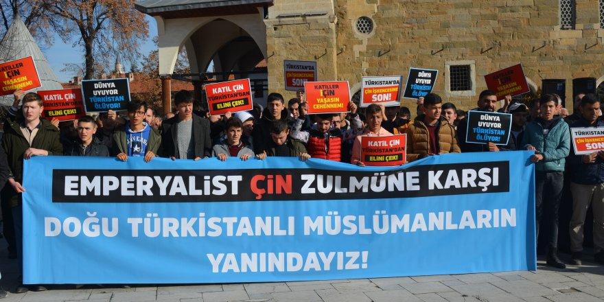 Doğu Türkistan'da Yaşanan Zulümler Merzifon'da Protesto Edildi