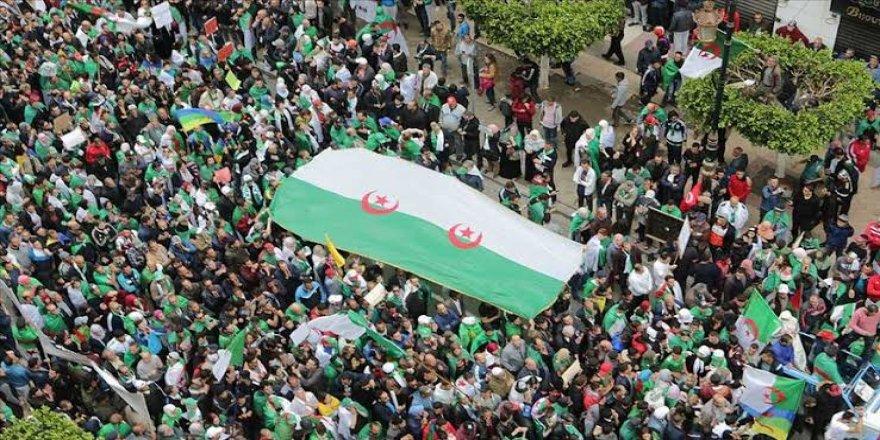 Cezayir'de Militarizmin Gölgesinde Gerçekleştirilen Seçimler Halkın Beklentilerini Karşılıyor mu?
