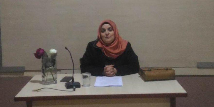 Akhisar Özgür-Der'de Medya ve Gençlik Konuşuldu