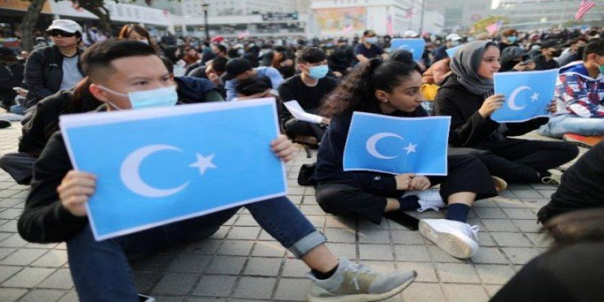 Hong Konglular, Doğu Türkistan'a Destek İçin Toplandı