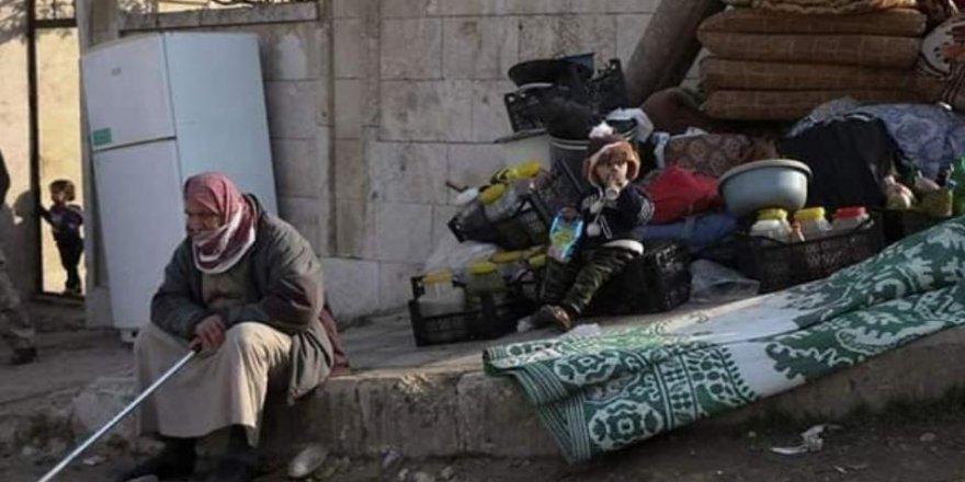 İdlib'deSon Bir Ayda 215 Bin Kişi Yerinden Oldu