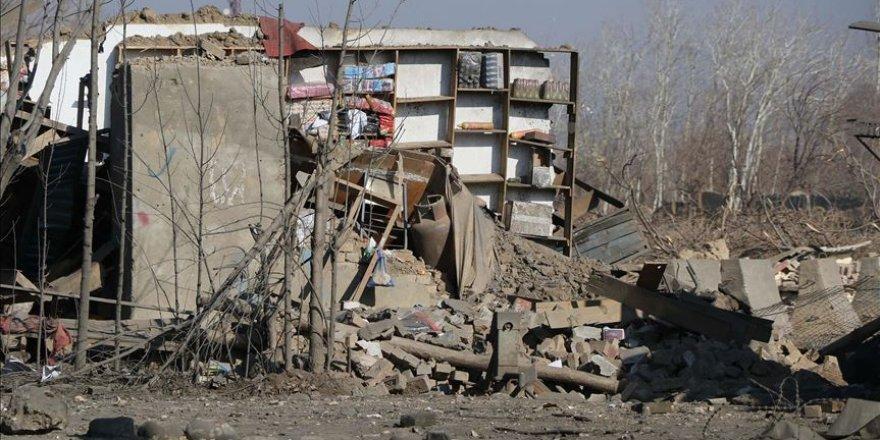 Afganistan'da Bomba Yüklü Araçla Saldırı: 6 Ölü