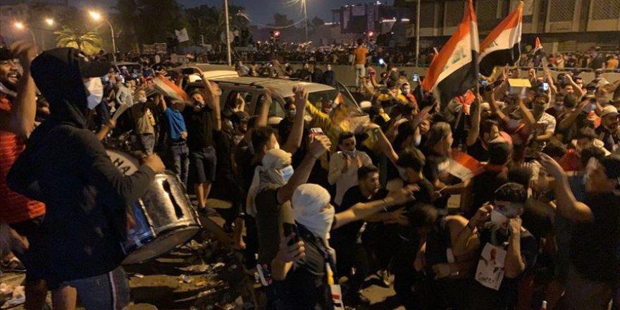 Kasım Süleymani'nin Öldürülmesi Sonrasında Bağdat'ta Sevinç, İran'da Yas