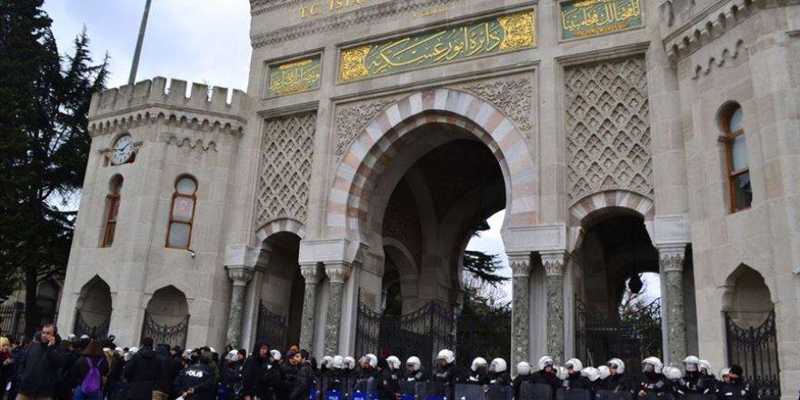 İstanbul Üniversitesi Yemekhane ile İlgili Aldığı Kararı İptal Etti