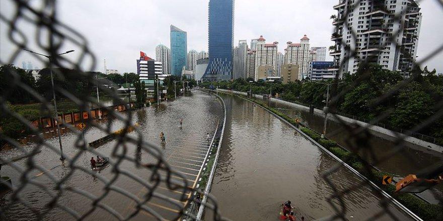 Endonezya'da Son 10 Yılda Doğal Afetler 12 Binden Fazla Can Aldı