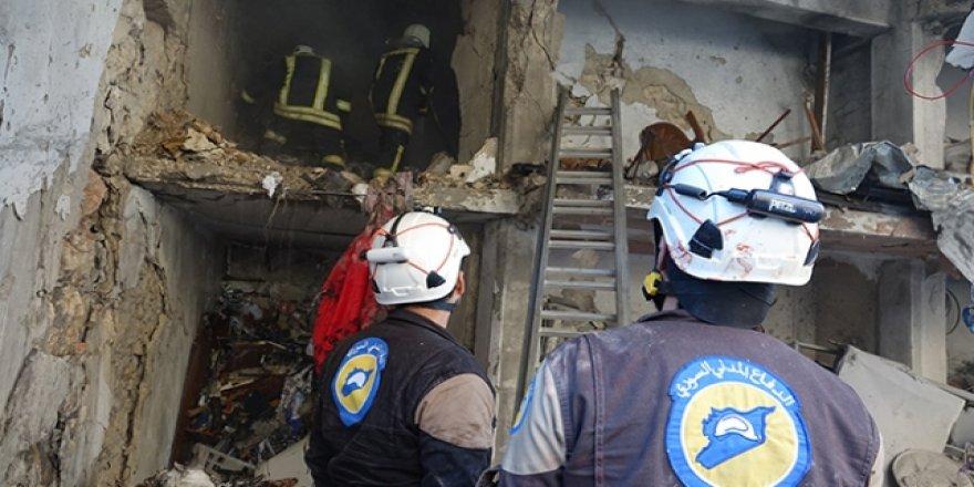 Esed'in Bombardımanında Ölen Çocukların Bedenlerine Güçlükle Ulaşıyorlar